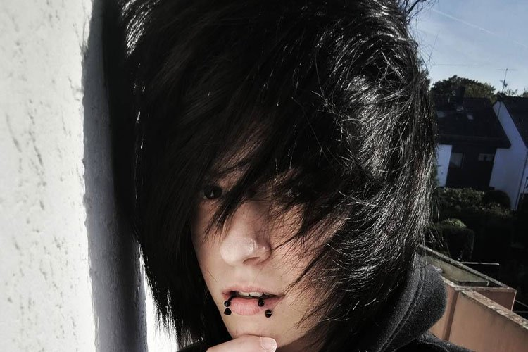 35 Cool Emo Hairstyles For Guys (2019 Guide