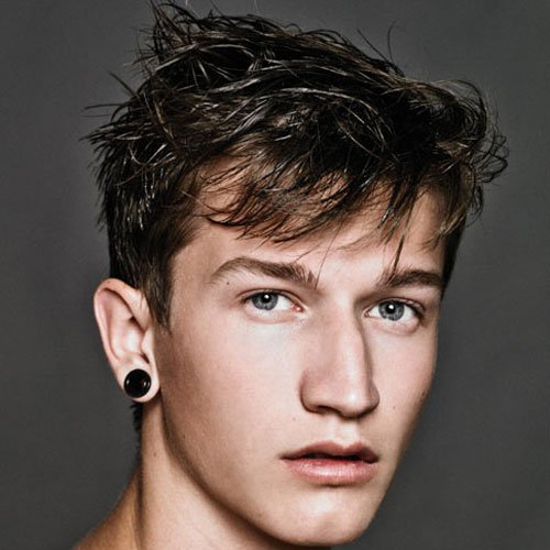 Best Hairstyles For Oval Faced Men