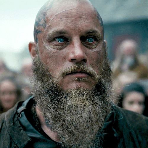 Ragnar-Lothbrok-Hair-Shaved-Head-and-Bea