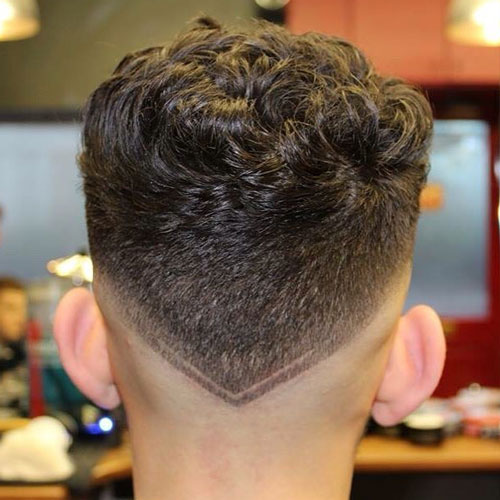V-Shaped Skin Neck Taper with Curly Top