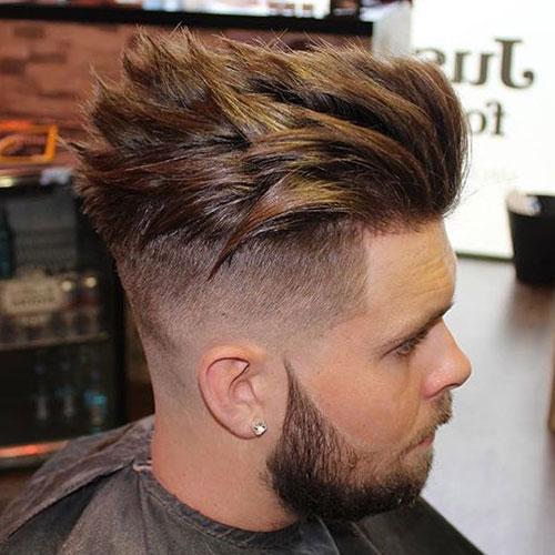 Eine Hohe Fade + Form + Dicke Texturierte Haar
