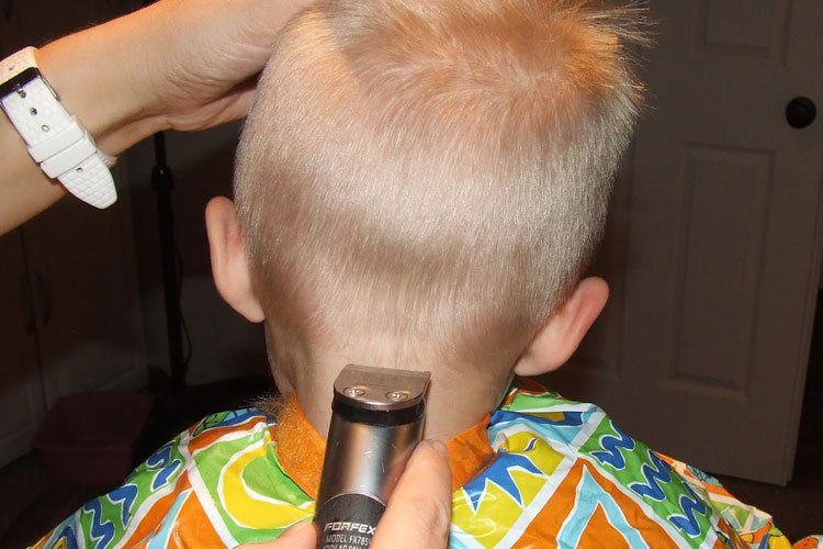 How To Cut Little Boys Neckline Hair
