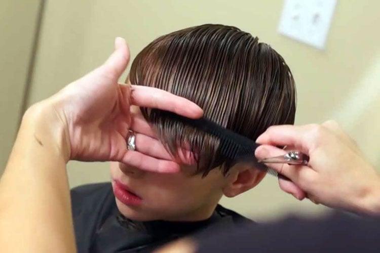 Cara Memotong Rambut Anak Laki-Laki Panjang