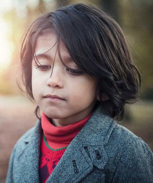 Gaya Rambut Tebal Sedang Panjang Untuk Anak Laki-Laki