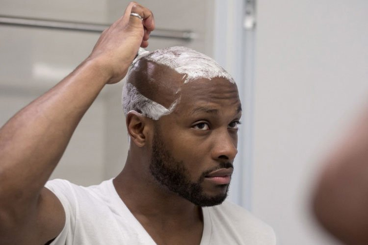 Shave Your Head With A Razor