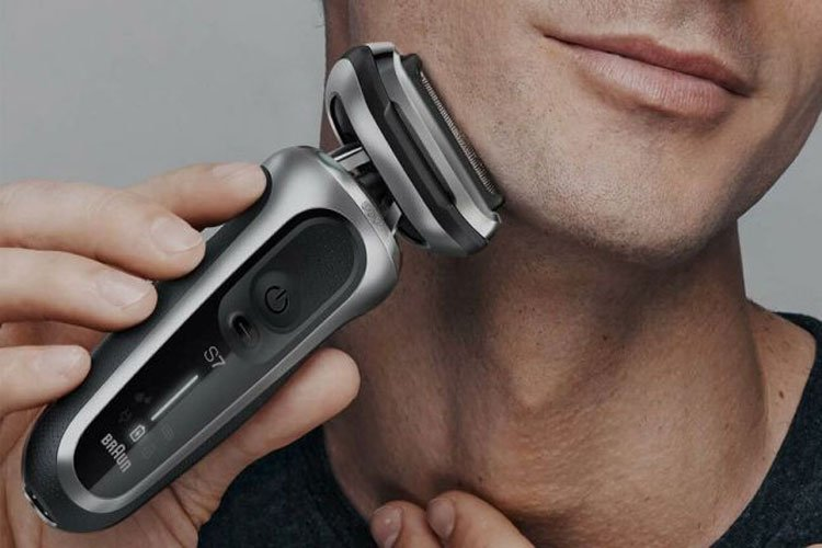 Shave With or Against The Grain