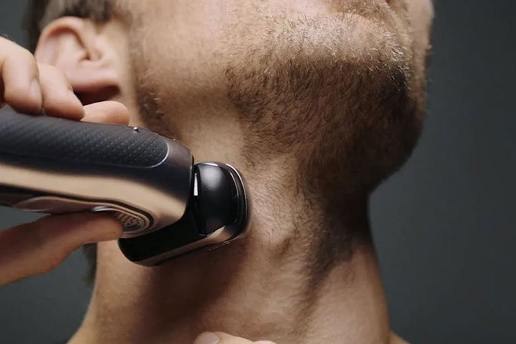 Choose Between Rotary and Foil Electric Shaver For Sensitive Skin